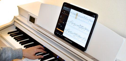 YAMAHAピアノアプリを使い独学でピアノを練習する様子